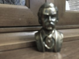Bust of Mark Twain